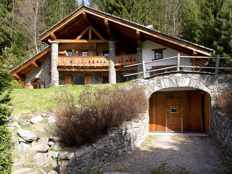 Каменный дом